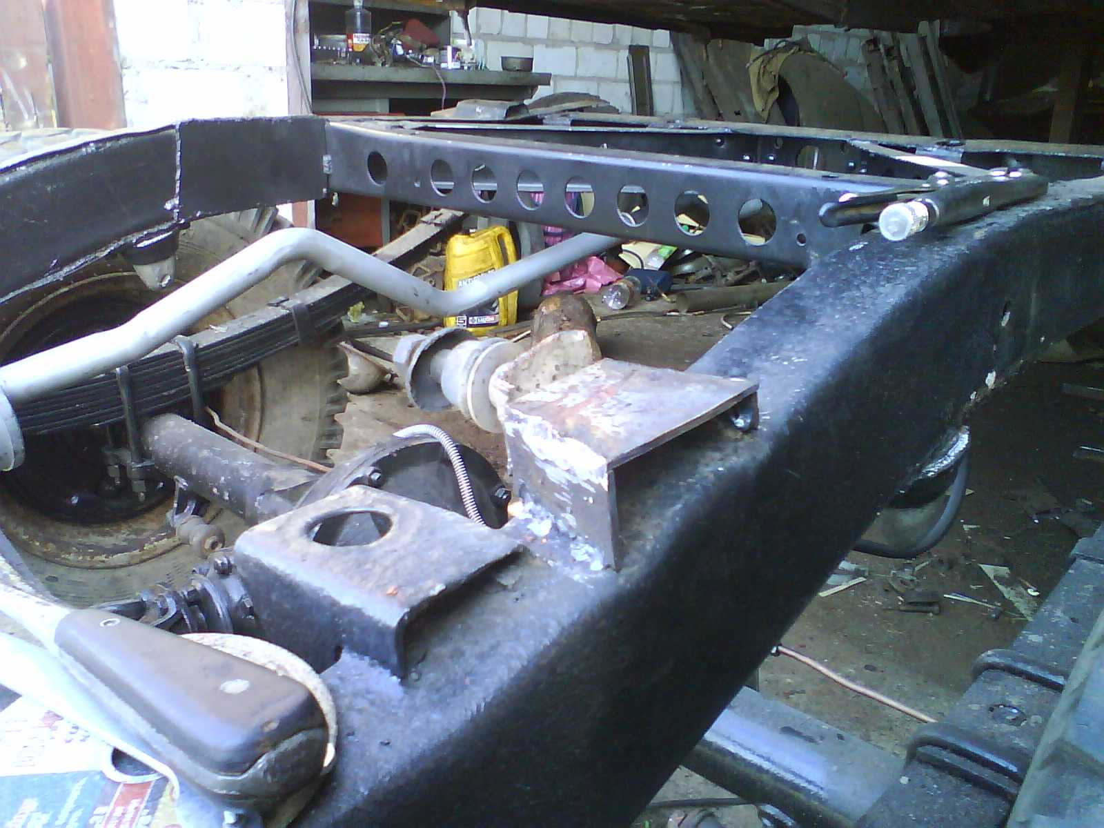 точка крепления кузово-рама