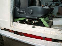 55 под пассажирским сиденьем пневматико.JPG