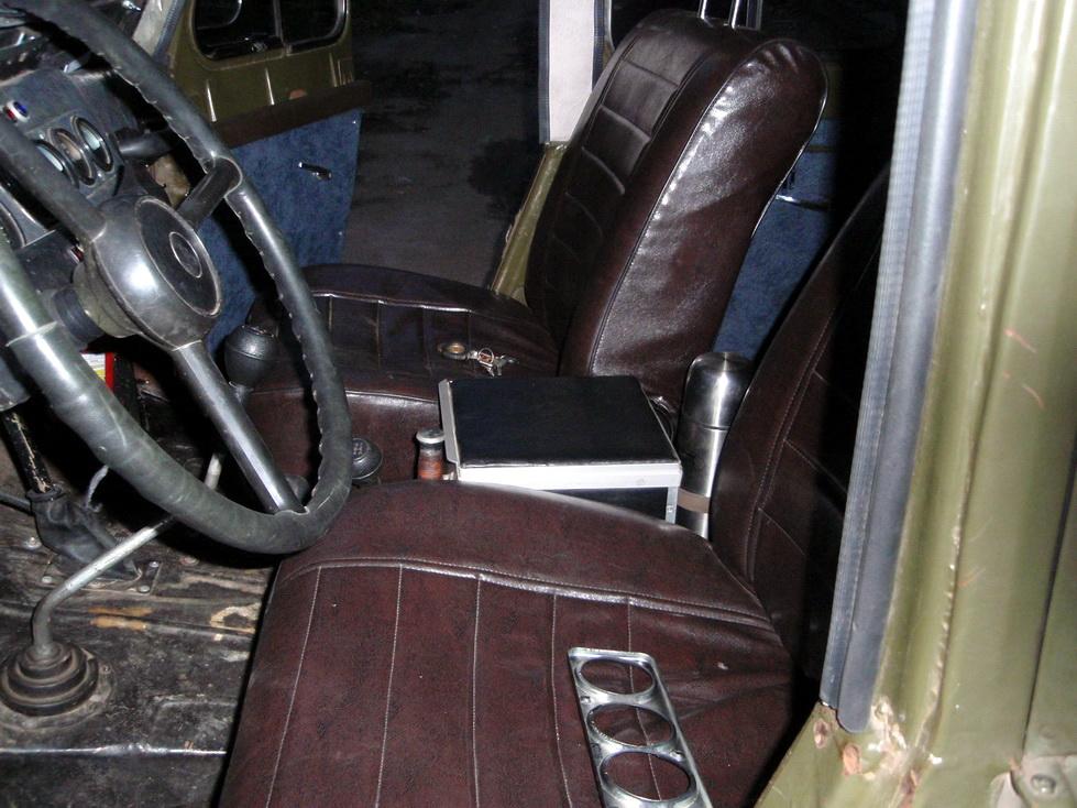 Передние сиденья.jpg