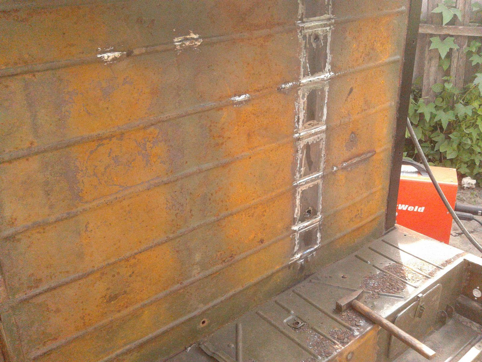 165 рёбра жесткости на ремонтном фрагменте из распущенной вдоль полдюймовой трубы