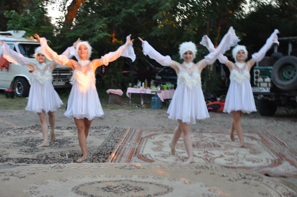 выступление в лагере на берегу  творческих коллективов города9