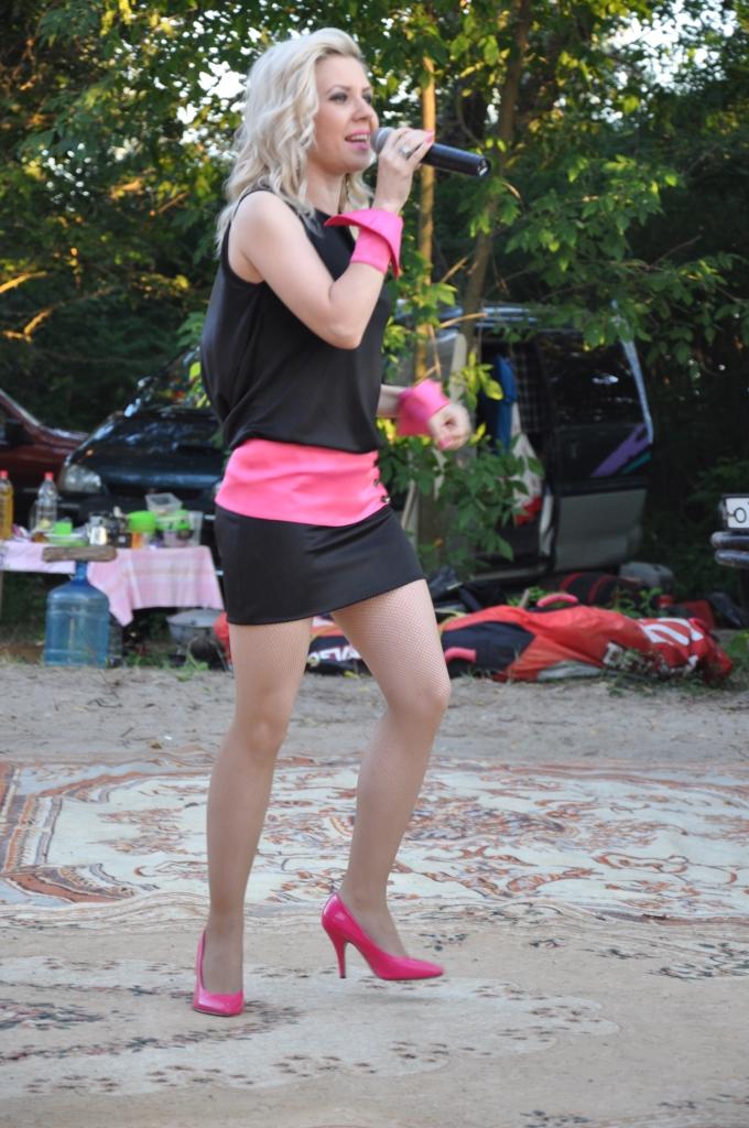 выступление в лагере на берегу  творческих коллективов города6