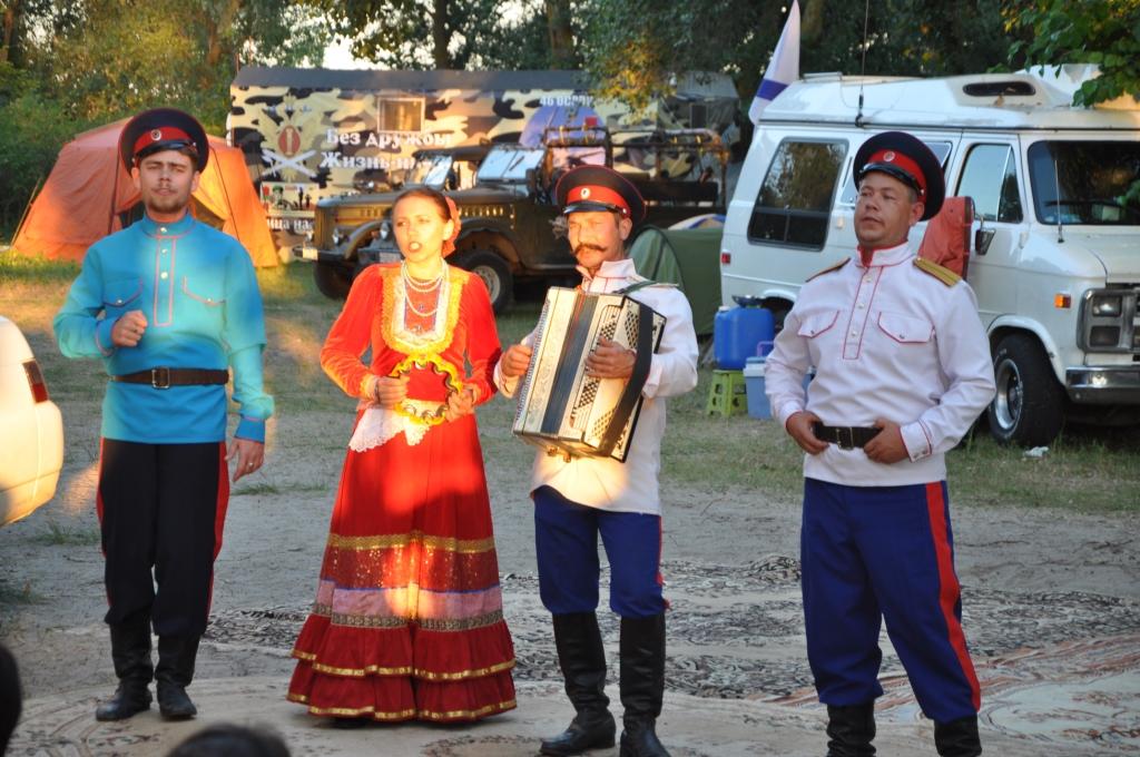выступление в лагере на берегу  творческих коллективов города7