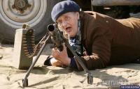 babushka-s-pistoletom-2.jpg