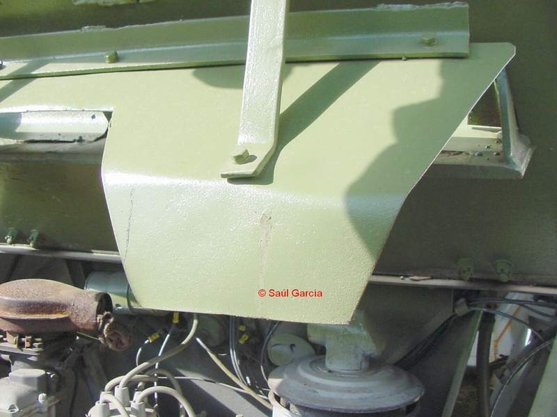 Ba64EngineHatchDeflector.jpg