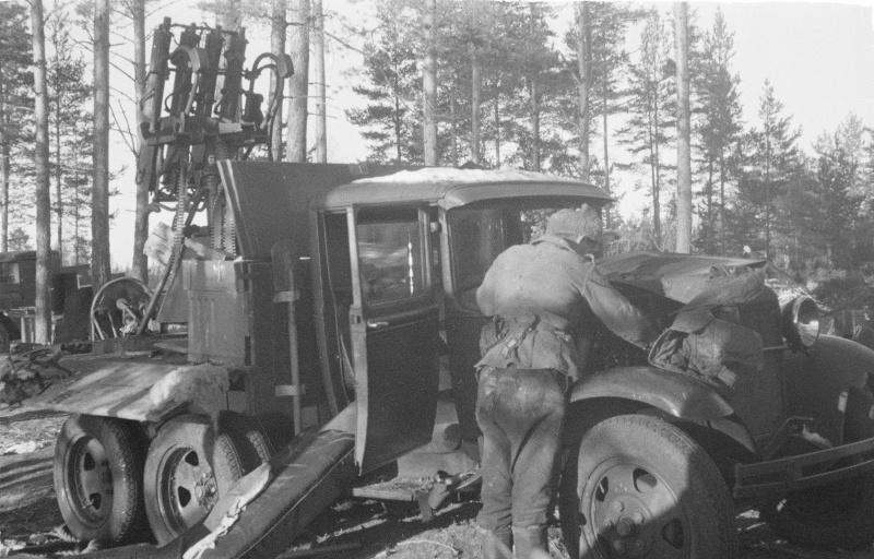 gaz_aaa_s_zpu_m4_finskij_soldat_04_11_1941.ao1r2xni4f4k8wgscskwog0go.ejcuplo1l0oo0sk8c40s8osc4.th.jpeg