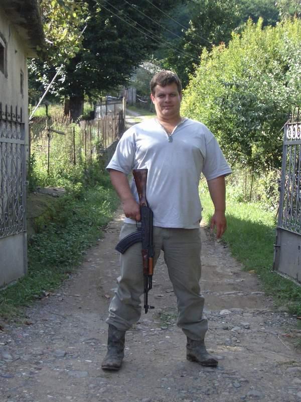 каждый мужчина любит оружие......