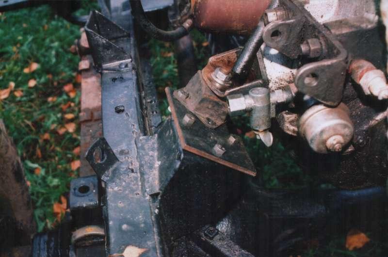 Правое переднее крепление двигателя УМЗ-414