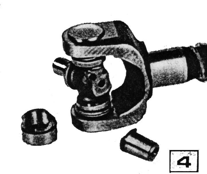 Сломанный карданный шарнир, установленный вместо ШРУСа