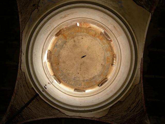 Главный купол снизу