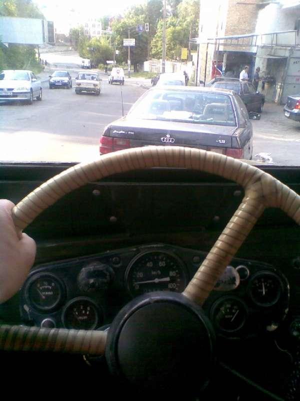 Взгляд в мир из-за руля ГАЗ-69 :)