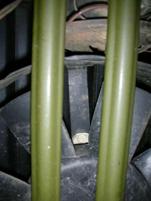 Вентилятор (Волга) крепится к диффузору с помощью трех привареных лапок