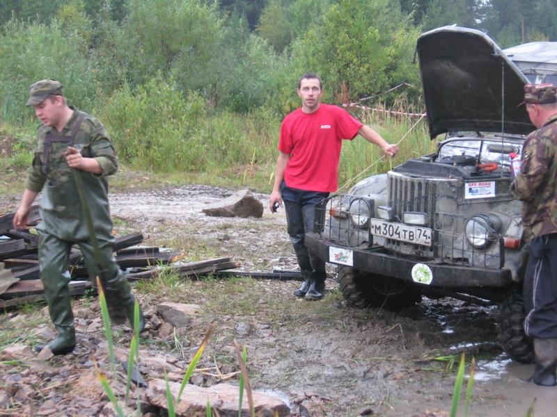 swat идет инспектировать водную преграду