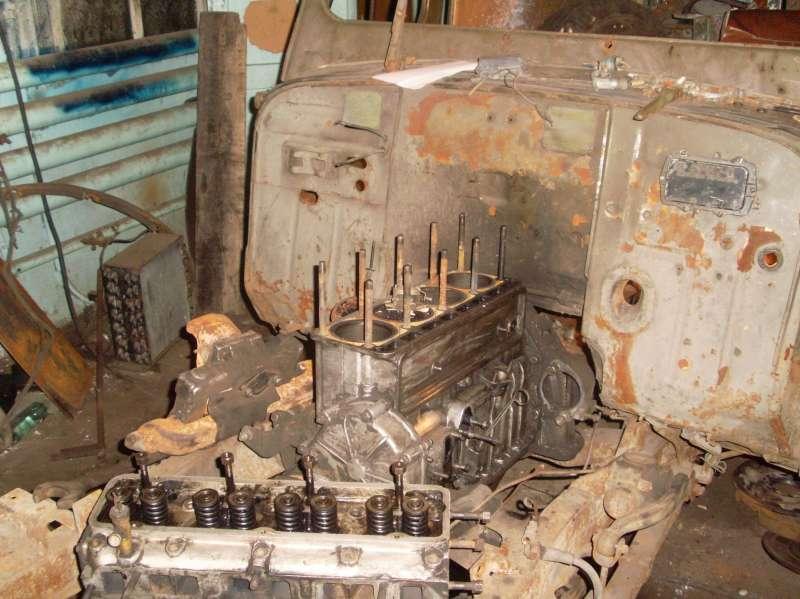 Двигатель, головка блока снята