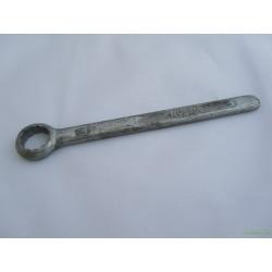 Ключ 14 накидной пробки сливного отверстия отстойника фильтра и опорных пальцев колодок тормоза